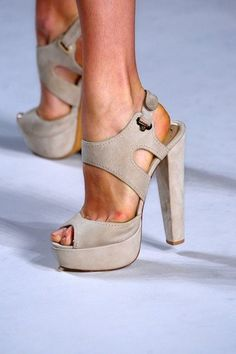 OMG... These would also look better in the picture if the model didn't have a disgusting sore on her foot, ha!