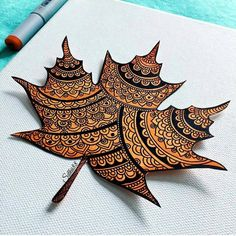 Image in Art🎨 collection by Naz on We Heart It Autumn Crafts, Autumn Art, Nature Crafts, Dry Leaf Art, Leave Art, Leaf Crafts, Mandala Drawing, Painted Leaves, Art Plastique