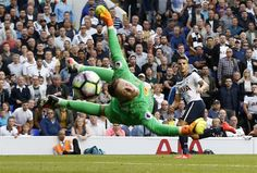 Spurs 1 Sunderland 0: Jason Pickford makes a goal-saving fingertip save from Spurs' striker Erik Lamela  Pass accuracy: 89%-68% Shots: 31-6 Chances created…
