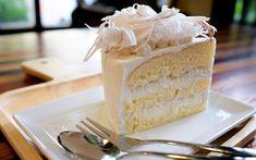HELLASTHIVA.BLOGSPOT.GR: Τούρτα λεμόνι.Αρωματική τούρτα με σπιτικό παντεσπάνι