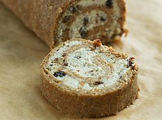 Raw Food Recipes Cinnamon Buns.. Skip the agave (!) and use raw honey or maple syrup instead...