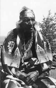 Navajo Chief Hush-Kaaney (anglicized Hoskaninni) around 1900. Hoskaninni successfully defied government troops under Kit Carson and made himself monarch of Monument Valley. Courtesy Utah Historical Society