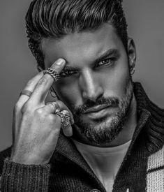 Handsome Mariano Di Vaio ( amazing men portrait photography black and white Different Beard Styles, Beard Styles For Men, Hair And Beard Styles, Beautiful Boys, Gorgeous Men, Photography Poses For Men, Portrait Photography, Hommes Sexy, Moustaches