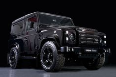 Land rover Defender Ultimate Edition, this thing is Insane!!!