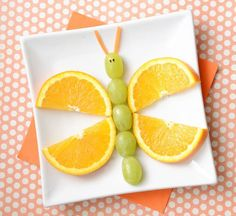 Easy and fun to make kids' snacks. For many of these, you could prep then have the kids assemble! Kids Food Art Lunches - Fruity Butterfly snacks for summer Adorable Kids Snack Ideas Snacks Für Party, Fruit Snacks, Healthy Snacks, Kid Snacks, Fruit Party, Animal Snacks, Healthy Kids, Fun Fruit, Fun Snacks For Kids