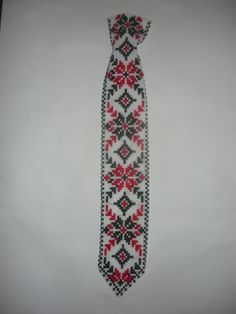 Вышитые галстуки СХЕМЫ Floral Tie, Loom, Beads, Necklaces, Floral Lace, O Beads, Loom Knitting, Beading, Bead