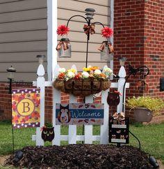 - All For Garden Outside Fall Decorations, Fall Yard Decor, Fall Home Decor, Halloween Decorations, Autumn Decorating, Porch Decorating, Decorating Ideas, Garden Crafts, Diy Garden Decor