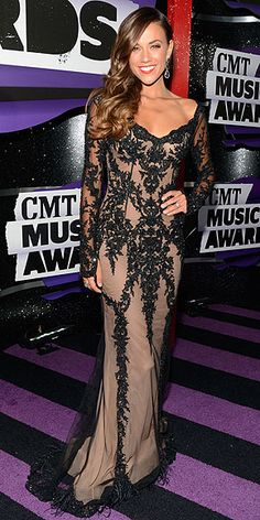 CMT Music Awards 2013 Red Carpet; Carrie Underwood style; taylor swift style : People.com