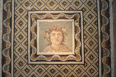Roman Mosaics (Article) - Ancient History Encyclopedia www.ancient.eu3888 × 2592Buscar por imágenes Roman Floor Mosaic