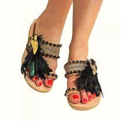 Χειροποίητα στολισμένα δερμάτινα σανδάλια με μαύρα φτερά Espadrilles, Sandals, Handmade, Shoes, Fashion, Espadrilles Outfit, Moda, Shoes Sandals, Hand Made