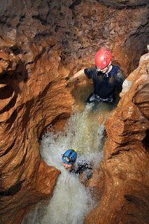 Ciales, Puerto Rico ~ Paraísos escondidos de nuestra isla del encanto. La Cueva Yuyú es uno de esos lugares inolvidables que no pasan desapercibidos. Cautivadora por su gran belleza, tamaño y por tener una gran cantidad de pasillos y cascadas interiores, la Cueva Yuyú se clasifica entre las más hermosas de Puerto Rico.