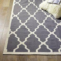Lattice print rug