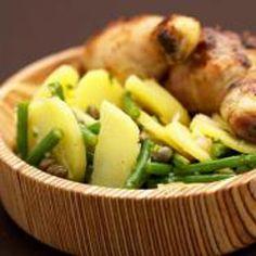 Recepten - Kippenboutjes met aardappelsla en bonen