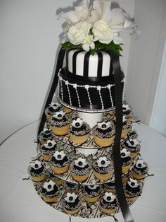 Wedding Cakes Pictures: Black and White Wedding Cupcakes