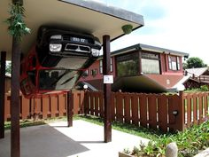 Rumah Terbalik : The Upside Down House that Won't Make You Dizzy Upside Down House, The Upside, Crazy Houses, What House, Carports, Stay Weird, Practical Jokes, Unique Architecture, Roadside Attractions
