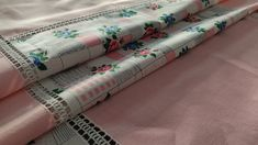 Vintage 90s Pink Floral Tablecloth, 110x140cm/43.3x55in Floral Tablecloth, Vintage Tablecloths, Lace Border, House Warming, Patches, Pattern, Pink, Cotton, Etsy