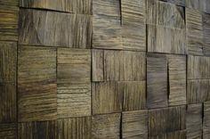 muro exterior con cubos de madera