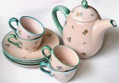 Set 9 piese ceramica glazurata design shabby chic - ceainic, cani si farfurii (64 LEI la fimomimo.breslo.ro)