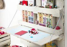 Tee työpöytä pieneen tilaan