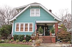 Mary Kay Andrews House in Avondale Estates - Atlanta Ga. I love her books, almost finished with her latest - Christmas Bliss. Beach Cottage Exterior, Exterior House Colors, Exterior Paint, Cottage Homes, Cottage Style, Avondale Estates, Teal House, Mary Kay Andrews, Craftsman Exterior