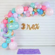 3rd Birthday Party For Girls, Girl Dinosaur Birthday, Girl Birthday Themes, Birthday Ideas, Birthday Diy, Birthday Party Decorations Diy, Decoration Party, Birthday Party Favors, Dinosaur Party Decorations
