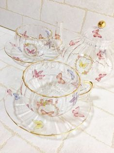 Happy Facts, Tea Sets Vintage, Aesthetic Rooms, Decoration, Tea Party, Tea Cups, Room Decor, Mugs, Wallpaper