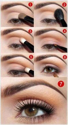 Natural Look: Light crease and mascara