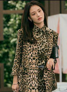 Yoon Seo, Girl Bands, Korean Outfits, Secret Life, Secretary, Veronica, Dramas, Good Times, Chinese