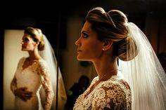 Penteado de noiva - Coque clássico com tiara fininha  ( Foto: Renato dPaula ) #casamento #noiva #penteado