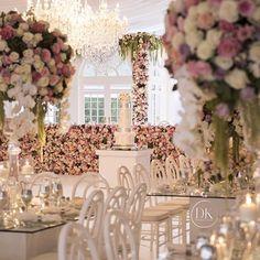 LUXE | Hunter valley Marquee wedding . Wedding planner/stylist @dianekhouryweddingsandevents | floral @vesnagrassofloraldesigner | chandeliers @chandelierstodiefor | cake @jkcakedesigns | decor hire @harboursidedecorators @decorativeevents @sydneysignatureevents #dkevents #dianekhouryweddingsandevents #luxuryweddings #styling #planning #outdoorwedding #marqueewedding #weddinginspo image @ryanschembri @xsightsydney