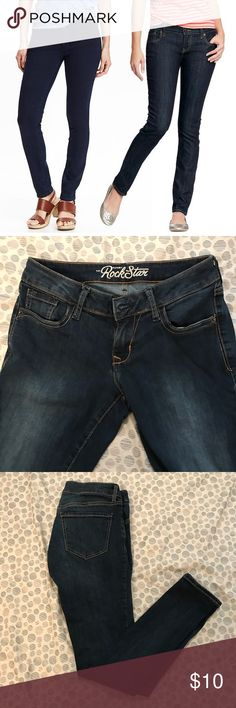 🆕Like New Rockstar Skinny Jeans Like New. Old Navy.  Size 4.  Rockstar Skinny Cut. Women's. Old Navy Jeans Skinny