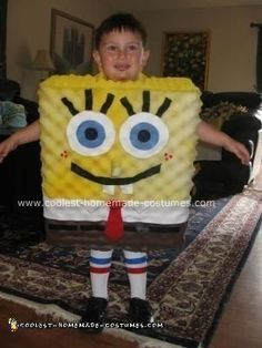 My old son is obsessed with Spongebob, so I decided to make him a Homemade Spongebob Squarepants Halloween Costume this year. What possessed me, I'l Diy Halloween Costumes For 3, Halloween Food Crafts, Purim Costumes, Boy Costumes, Halloween Kostüm, Costume Ideas, Haloween Ideas, Spongebob Squarepants Halloween Costume, Spongebob Halloween Costume