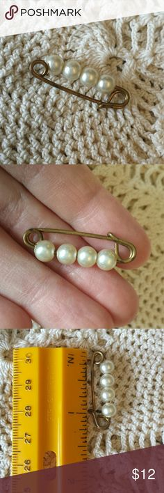 Sweet vintage pearl safety pin Pretty little thing to soften your tweed jacket and penny loafers.  Tarnished copper color. Jewelry Brooches