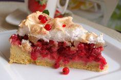Rybízový koláč se sněhovou čepicí. Lepší je až na druhý den, kdy nám těsto krásně zvláční. Autor: Naďa I. (Rebeka)