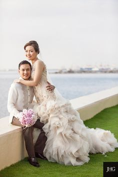 I love his barong and brown pants Barong Tagalog Wedding, Barong Wedding, Filipiniana Wedding Theme, Filipiniana Dress, Wedding Groom, Wedding Attire, Wedding Gowns, Groom And Groomsmen Attire, Groom Outfit