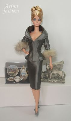 Unforgettable Barbie of Fashion. The first Barbie doll shown at New York Toy Fair in 1959.