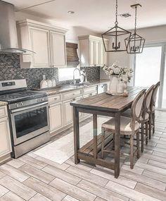 Farmhouse Style Kitchen, Kitchen Redo, Kitchen Styling, Kitchen Design, Kitchen Ideas, French Farmhouse, Farmhouse Decor, Kitchen Interior, Home Remodeling