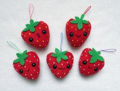 Fresitas con fieltro. Strawberries, kawaii