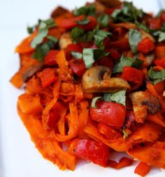 Pin for Later: 14 Single-Serving Dinner Recipes For a Party of 1 Carrot Fettuccine With Mushrooms and Red Pepper Skip the carbs by switching regular pasta with ribboned carrots for a Paleo fettuccine with mushrooms and red pepper. Vegan Dinner Recipes, Vegan Dinners, Vegetarian Recipes, Cooking Recipes, Healthy Recipes, Primal Recipes, Sweet Recipes, Cooking Tips, Carrot Pasta