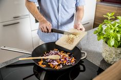 Ways to Ruin a Nonstick Pan  + Tricks to Keep Your Nonstick Pans Looking Good. Learn what to avoid with non-stick cookware or bakeware if you want your pans to last. Keep your nonstick looking good with just a little care. The Spruce Kitchen