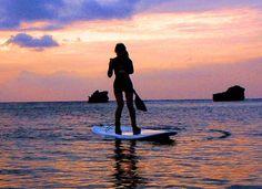 沖縄は今日も夏日和でいい天気のんびりSUPクルージングでしたあ #沖縄 #サーフィン #スタンドアップパドル #サンセット #夕日 #夕焼け #海 #水平線 #sup #一人旅 #okinawa #sunset #sea #horizon #standuppaddle #空 #シルエット #マリンスポーツ #恩納村 #サーフィンデビュー #instagood #シーナサーフ #オキナワ