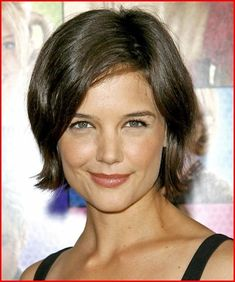 View yourself with Katie Holmes hairstyles and hair colors. View styling steps and see which Katie Holmes hairstyles suit you best. Celebrity Hairstyles, Easy Hairstyles, Straight Hairstyles, Hairstyle Short, Hairstyles 2018, Cute Girls Hairstyles, Cool Haircuts, Katie Holmes, Chin Length Haircuts