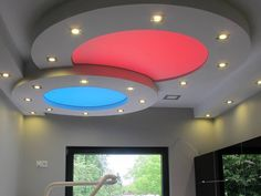 Gliwice Gypsum Ceiling Design, House Ceiling Design, Ceiling Design Living Room, Home Design Living Room, Bedroom False Ceiling Design, Ceiling Decor, Asian Paint Design, Pop Design For Roof, Front Elevation Designs