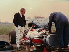 John Surtees (Honda RA237) Oulton Park 1967 - source F1 History & Legends.
