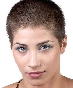 very short hairstyle for women