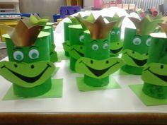 Έλα να παίξουμε...στο Νηπιαγωγείο!!!: Παγκόσμια Ημέρα Αποταμίευσης : 31 Οκτωβρίου Piggy Bank Craft, International Day, Candy Table, Back To School, Diy And Crafts, Preschool, Kids, Craft Ideas, Money