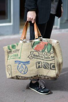 idée : Cabas récup toile sac de café Boutique Avant Après 29 rue Foch Montpellier