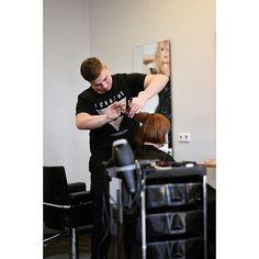 #friseur #hair #haare #hairstyle #haircut #hairdresser #friseursalon #barber #frisur  #style #coiffeur #haarschnitt #haaref #friseurausleidenschaft #fri Hairdresser, Barber, Blonde Hair, Hair Cuts, Hairstyle, Long Hair Styles, Barber Shop Names, Haircuts, Hair Job