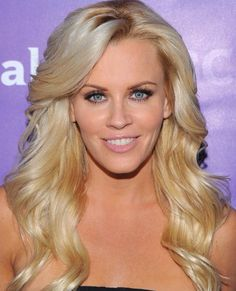 Jenny McCarthy's long, blonde hair is layered and wavy. Her side bangs make this look very sexy. Cut My Hair, Hair A, Blonde Hair, Long Wavy Hair, Long Hair Cuts, Long Hair Styles, Girl Celebrities, Beautiful Celebrities, Beautiful Women
