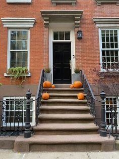 Habitually Chic® » October 2020 in New York Amazing Architecture, Architecture Design, Bon Weekend, Autumn Inspiration, Sunny Days, Townhouse, New York, October, Stairs
